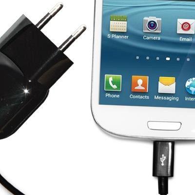 PURO Mini Travel Charger - Przenośna ładowarka sieciowa z kablem Micro USB (czarny) MTCMICROBLK